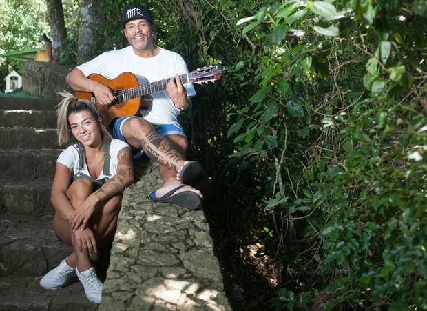 Maurício Mattar se muda para o Rio e posa com Petra Mattar (Foto: Anderson Barros / EGO)