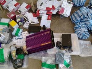 Polícia Militar encontrou materiais dentro de veículo na rodovia AL-220 (Foto: Divulgação/Ascom PM)