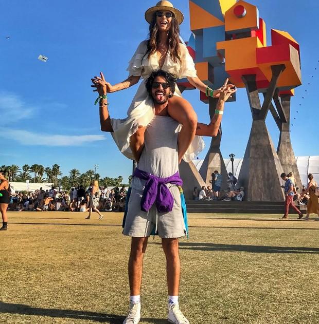 Thaila Ayala e o fotógrafo André Nicolau (Foto: Reprodução/Instagram)