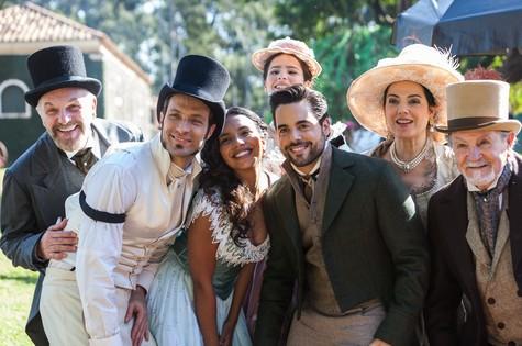 Parte do elenco de 'Escrava mãe', da Record (Foto: Edu Moraes/Record)
