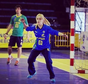 Flávia Vidal goleira handebol (Foto: Reprodução/Facebook)