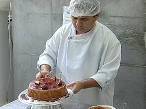 Wagner Antunes dá consultoria para padarias em todo o país (Foto: Reprodução/TV Integração)