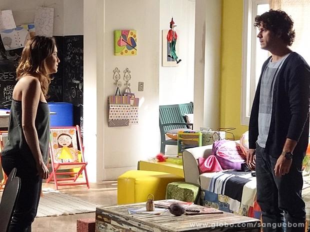 Malu fica desesperada ao saber que pode ser irmã de Bento (Foto: Sangue Bom/TV Globo)