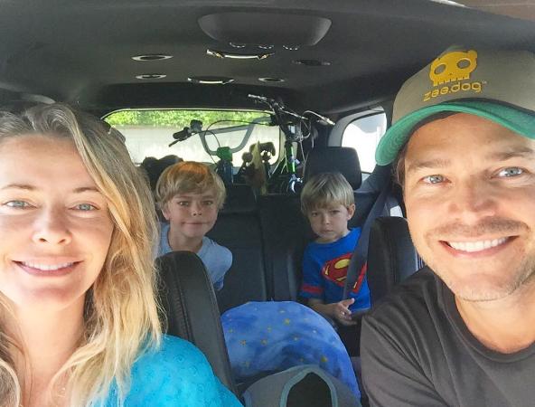 Erik Marmo com a família  (Foto: Reprodução Instagram)