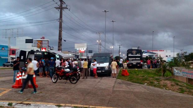 Blitz da Lei Seca foi montada na Av. Engenheiro Roberto Freire, na Zona Sul de Natal (Foto: Divulgação/Polícia Militar do RN)