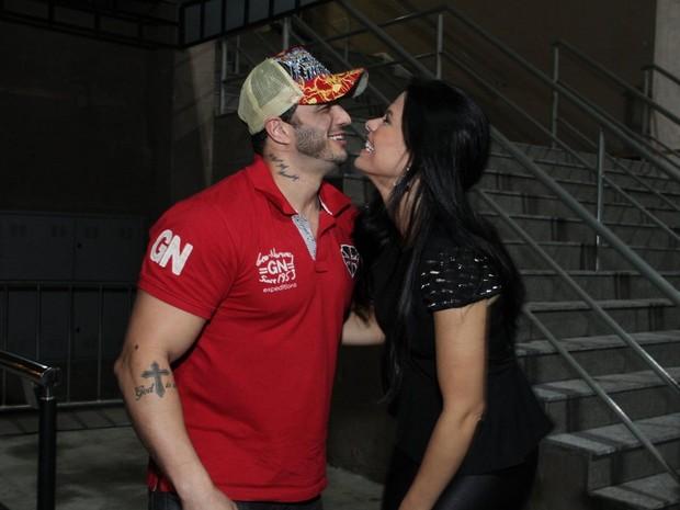 Ex-BBBs Kléber Bambam e Joseane em show no Rio (Foto: Thyago Andrade/ Foto Rio News)