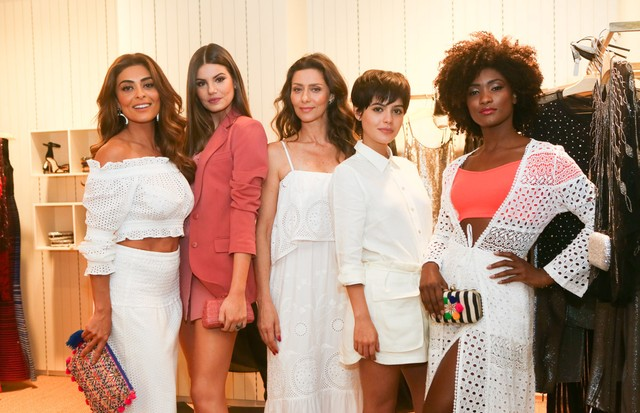 Juliana Paes, Camila Queiroz, Maria Fernanda Candido, Julia Dalavila e Erika Januza (Foto: Iwi Onodera/Agência Brazil News)