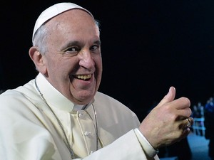 Papa Francisco discursa para 3 milhões de peregrinos em Copacabana (Foto: Luca Zennaro/Pool/AFP)