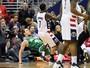 Com confusões e expulsões, Wizards vencem a primeira contra os Celtics
