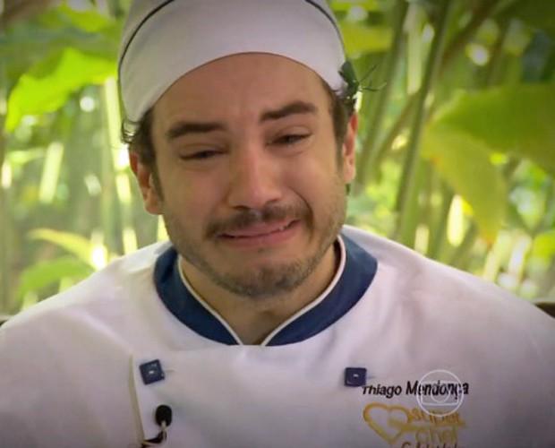 Thiago Mendonça cai no choro ao ver sua mãe no Mais Você (Foto: Mais Você/TV Globo)