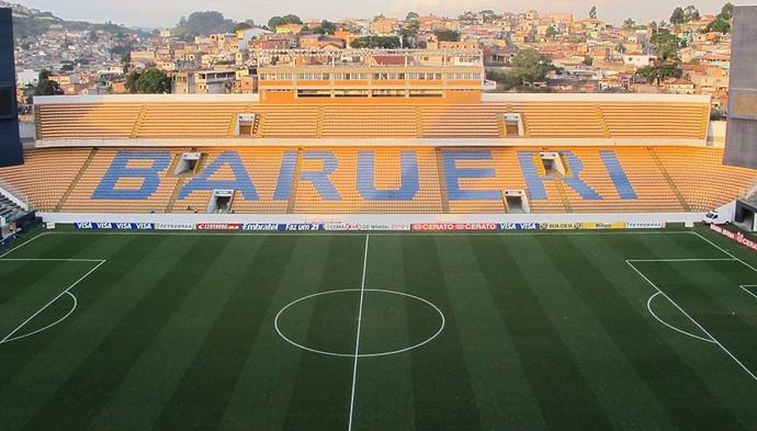 Palmeirenses fazem fila por ingressos na Arena Barueri (Foto: Diego Ribeiro / Globoesporte.com)