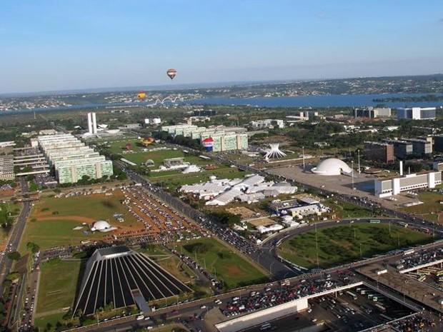 Vista aérea da Esplanada dos Ministérios (Foto: Jamila Tavares/G1)