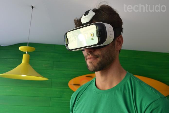 Visitantes podem testar o Gear VR no Lounge da Samsung, no WSL, Rio de Janeiro (Foto: Melissa Cruz / TechTudo)