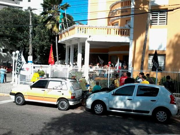 Câmara Municipal ficou movimentada para 2ª votação do passe livre estudantil em Natal (Foto: Murilo Meireles/G1)