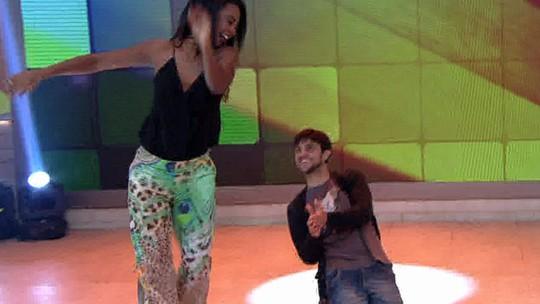 Felipe Simas, campeão do 'Dança dos Famosos', mostra gingado no 'Encontro'