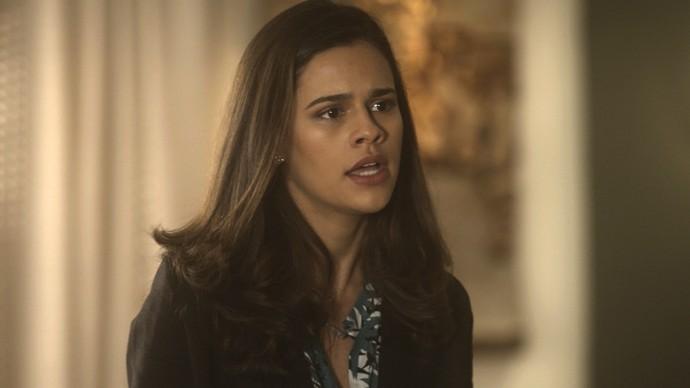 Aline é demitida por Mág e ameaça Vitória para continuar no emprego (Foto: TV Globo)