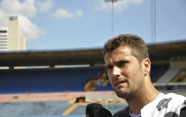 Marcelo Pitol, goleiro do Vila Nova (Foto: Guilherme Gonçalves)