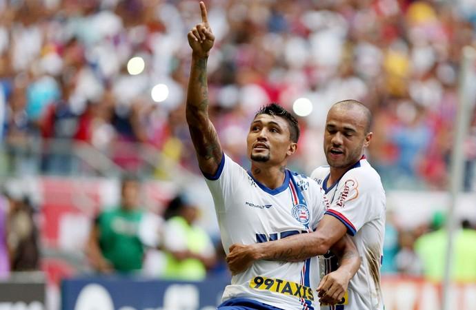 Kieza e Roger; Bahia (Foto: Felipe Oliveira/EC Bahia/Divulgação)