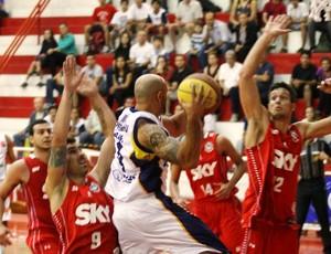 São José Pinheiros Basquete (Foto: Antônio Basílio/PMSJC)