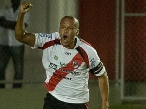 Ney comemora o gol marcado contra o Confiança (Foto: Fillipe Araújo/Divulgação-ADC)
