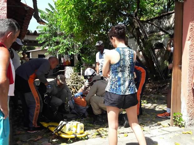 Parequedista errou local de pouso e caiu em cima de árvore (Foto: Vanderlei Raimundo/Arquivo Pessoal)