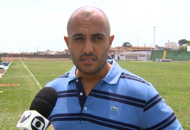 Rafael Guanaes, técnico do São Carlos  (Foto: Eder Ribeiro/EPTV)