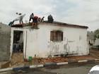 Homem provoca incêndio na própria casa em Pereiras