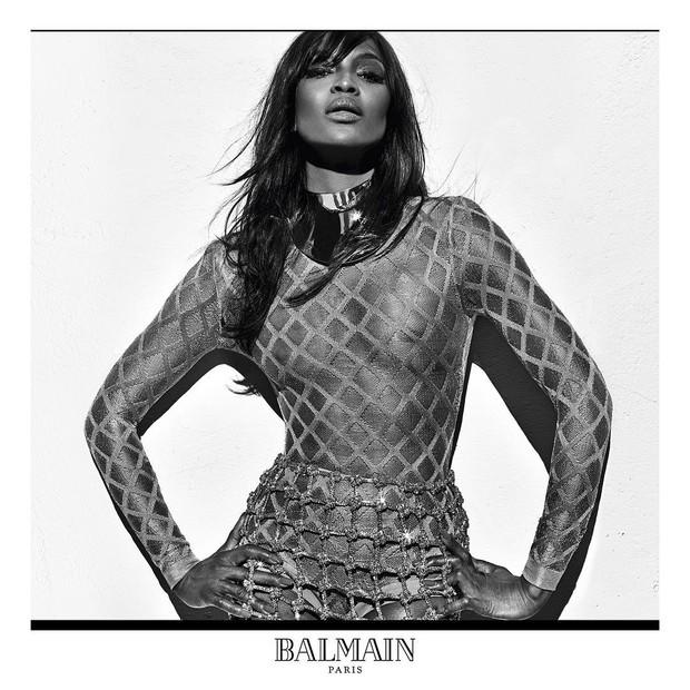 Naomi Campbell na campanha de primavera-verão 2016 da Balmain Paris (Foto: Reprodução / Instagram)