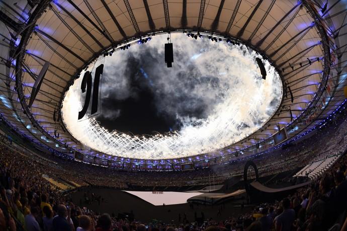 Fogos na cerimônia de abertura da Paralimpíada (Foto: André Durão)