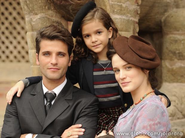 Bruno e Bianca atuam com a pequena Mel Maia em Joia Rara (Foto: Joia Rara/TV Globo)