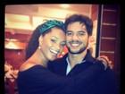 Juliana Alves comemora quatro anos de namoro com jantar no Rio