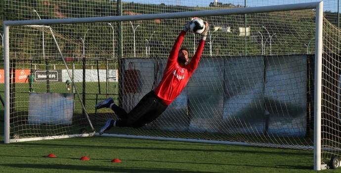 Alisson goleiro Inter (Foto: Tomás Hammes / GloboEsporte.com)