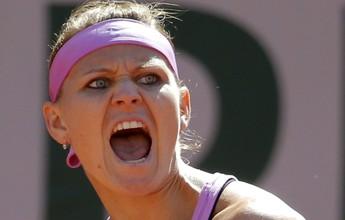 Em casa, Safarova vence australiana de virada e conquista WTA de Praga