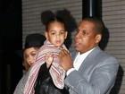 Beyoncé e Jay-Z levam a filha ao teatro