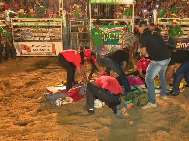 Caubói e salva-vidas foram resgatados e levados para hospital em Sorriso (Foto: Lucas Torres/Portal Sorriso MT)