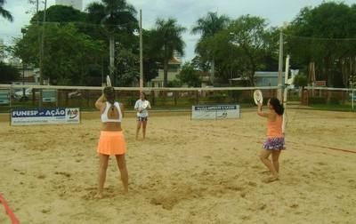 Areias da AABB recebem torneio aberto de beach tennis (Foto: Divulgação/Show de Bola Comunicação)