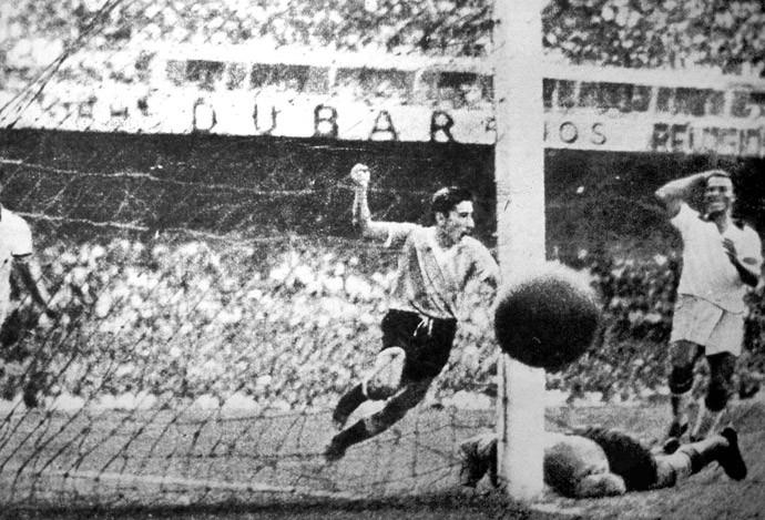 Ghiggia 1950 Brasil x Uruguai - Maracanã (Foto: Agência AP )