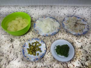 Ingredientes do bacalhau do padre (Foto: Natália Mello / G1)