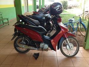 Motocicleta foi roubada em bairro da capital, segundo casal (Foto: Júnior Freitas/ G1)