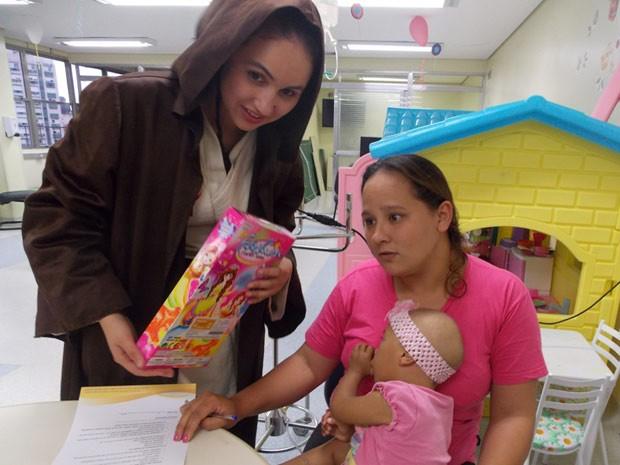 Crianças ganharam brinquedos dos voluntários (Foto: Divulgação/Legião do Bem)