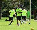 """Possível titular no Coxa contra o Avaí, Vinícius admite: """"Louco para jogar"""""""