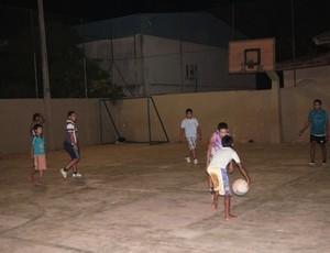 Clube Amigos do Basquetebol em Guajará-Mirim, Rondônia, alunos (Foto: Cleilson Sales/Divulgação)