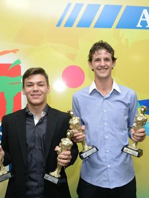 Charles Maioli e Bruno Conde foram premiados na noite desta terça-feira (Foto: Ricardo Medeiros/A Gazeta)