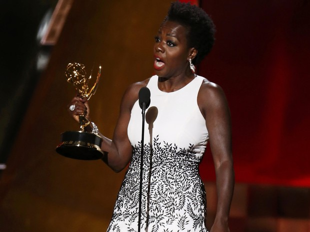 Viola Davis, de 'How to get away with murder', é primeira negra a vencer o prêmio de melhor atriz em série dramática (Foto: REUTERS/Lucy Nicholson)