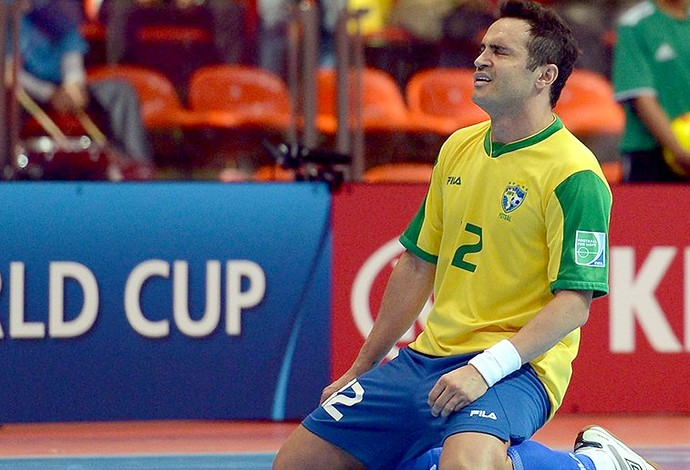 Falcão comemora gol no jogo do Brasil contra a Argentina no futsal (Foto: FIFA.com via Getty Images)