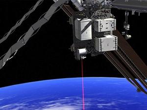 Concepção artística mostra como o sistema Opals vai funcionar a partir da Estação Espacial Internacional enviando dados à Terra (Foto: Divulgação/Nasa)