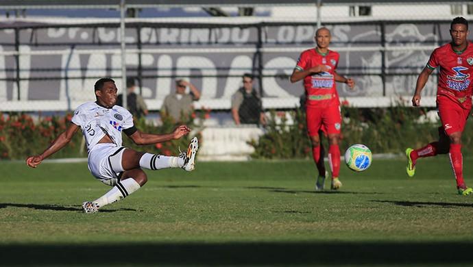 Alex Henrique marca o segundo gol do ASA contra o Salgueiro (Foto: Ailton Cruz/ Gazeta de Alagoas)