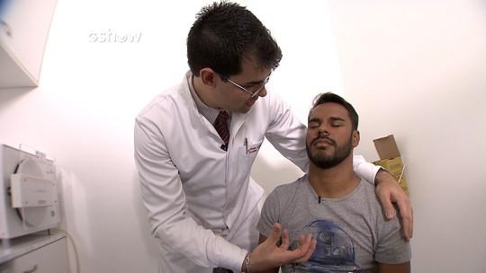 Veja como foi a sessão de hipnose do repórter Pablo Vasconcelos