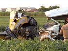 Avião cai sobre uma kombi e mata cinco pessoas no interior do Paraná