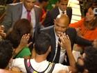Em sessão tumultuada, estudantes invadem plenário e PM retira grupo